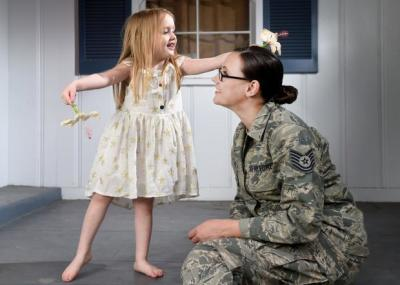air force mother and daughter